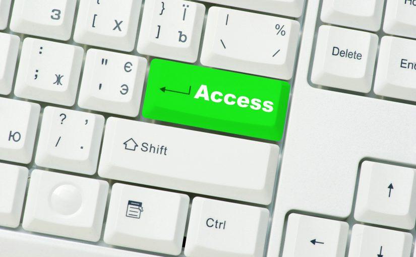 """Tastaturausschnitt mit der Beschriftung """"Access"""" auf der grün eingefärbten Enter-Taste"""